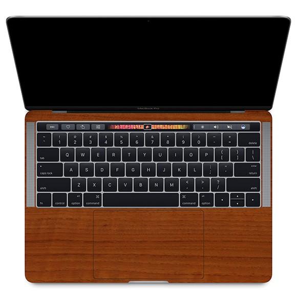 【ネコポス送料無料】MacBook Pro with Touch Barのパームレストの手汗汚れ、傷、ヒンヤリ感をお洒落に解決!【13インチ ウッド調プレミアムスキンシール】【チーク】