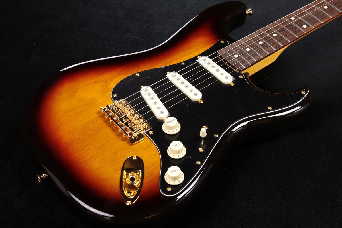 Fender / Made in Japan Traditional 60s Stratocaster with Gold Hardware 3-Color Sunburst 【豪華2大特典プレゼント!】【新宿店】