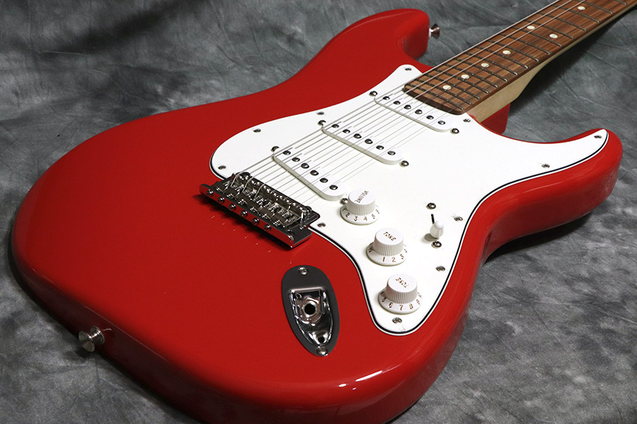 Fender フェンダー / Player Series Stratocaster Sonic Red / Pau Ferro Fingerboard 【心斎橋店】