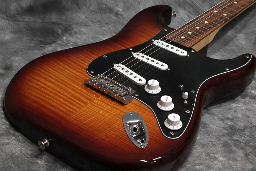 Fender フェンダー / Player Series Stratocaster Plus Top Tobacco Sunburst / Pau Ferro Fingerboard 【心斎橋店】