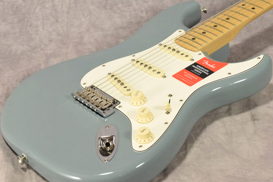 Fender / American Pro Stratocaster Sonic Grey Maple Fingerboard 【梅田店】