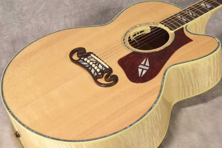 Gibson / Super 200 Custom AN (Antique Natural) 【梅田店】