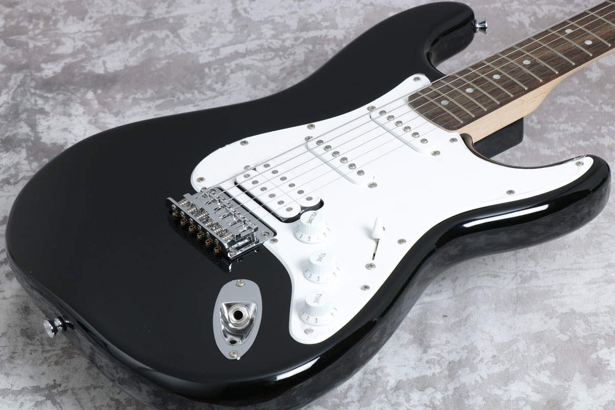 Squier スクワイア / Bullet Strat with Tremolo HSS Black【梅田店】