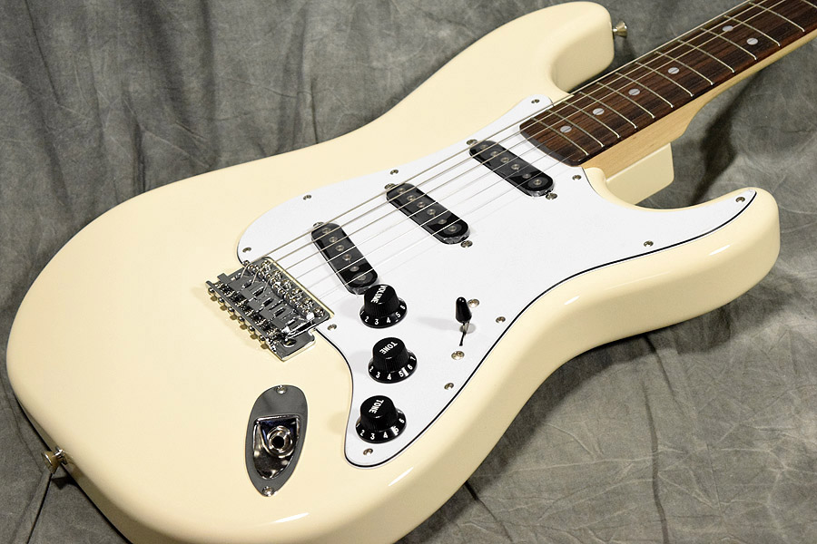 Fender / Japan Exclusive Classic 70s Stratocaster Rosewood Vintage White 【梅田店】