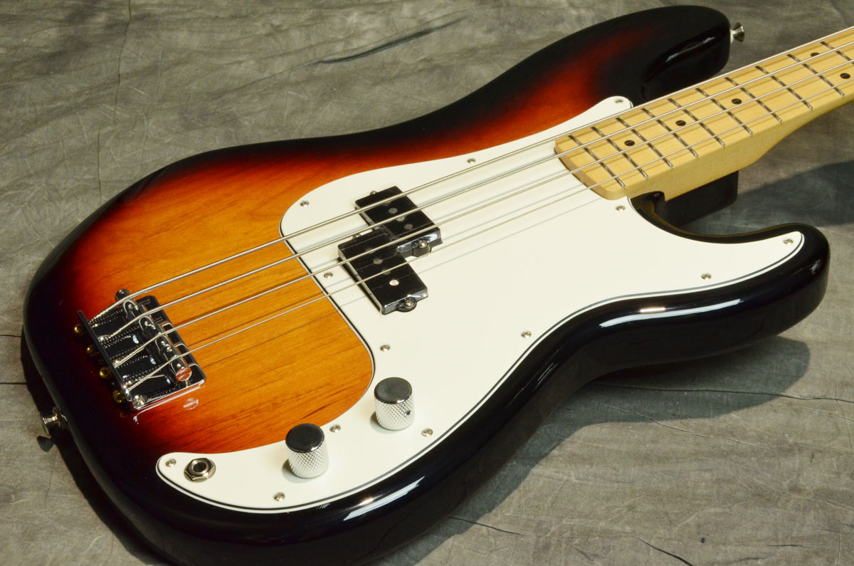 Fender フェンダー / Player Series Precision Bass Maple Fingerboard 3-Color Sunburst【横浜店】