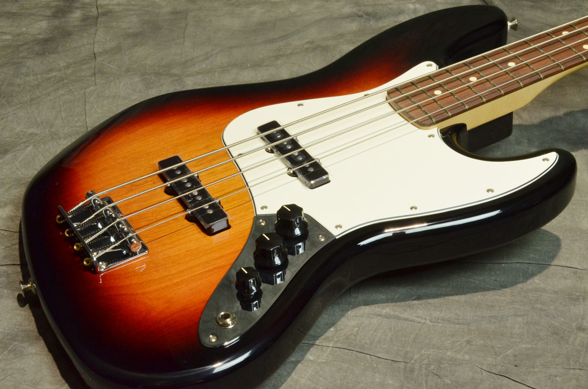 Fender フェンダー / Player Series Jazz Bass Pau Ferro Fingerboard 3-Color Sunburst【横浜店】