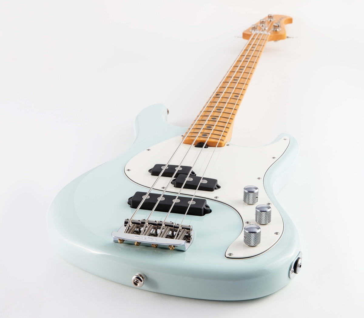 MUSICMAN / Caprice Bass Diamond Blue Maple Fingerboard ミュージックマン《値下げしました!》
