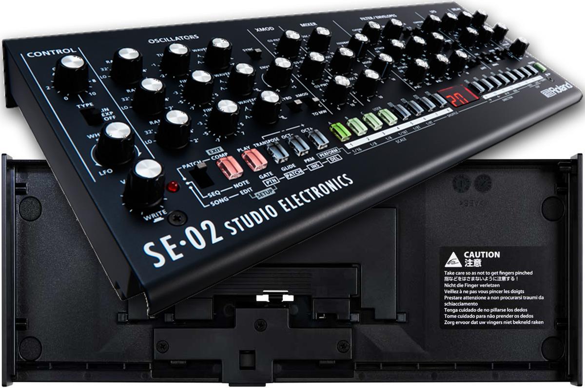 Roland ローランド / Boutique SE-02 Analog Synthesizer 【Dockセット】【YRK】≫