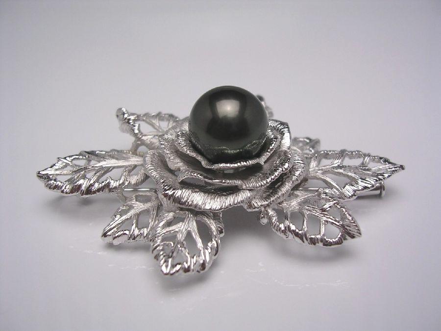 真珠 ブローチ パール 黒蝶真珠 11.9mm ディープグリーン シルバー フラワー 20806 イソワパール
