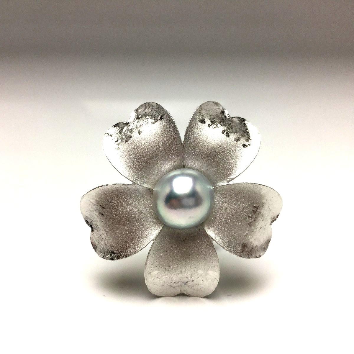 真珠 ブローチ パール アコヤ真珠 9.59mm シルバーブルー(ナチュラル) シルバー 植物 フラワー 65883 イソワパール