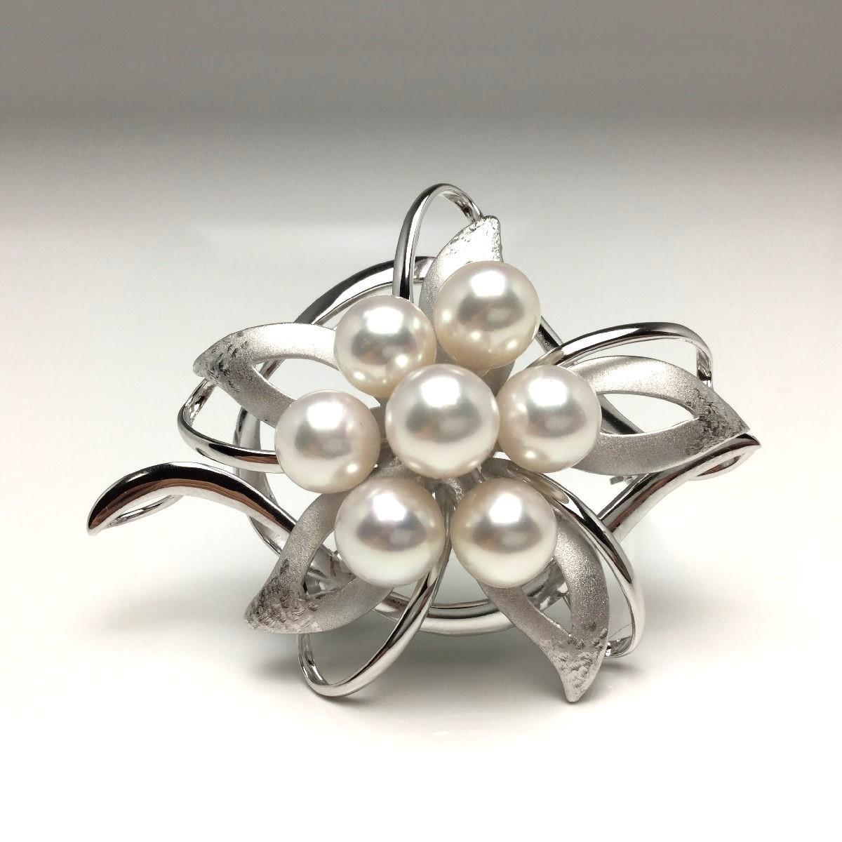 真珠 ブローチ パール アコヤ真珠 7.5-8.0mm ホワイトピンク シルバー 植物 フラワー 66227 イソワパール