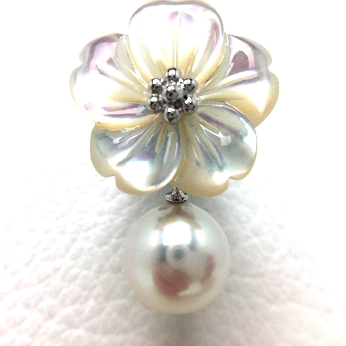 真珠 タイニーピン パール アコヤ真珠 8.85mm ホワイトピンク シルバー シェル 植物 フラワー 66823 イソワパール