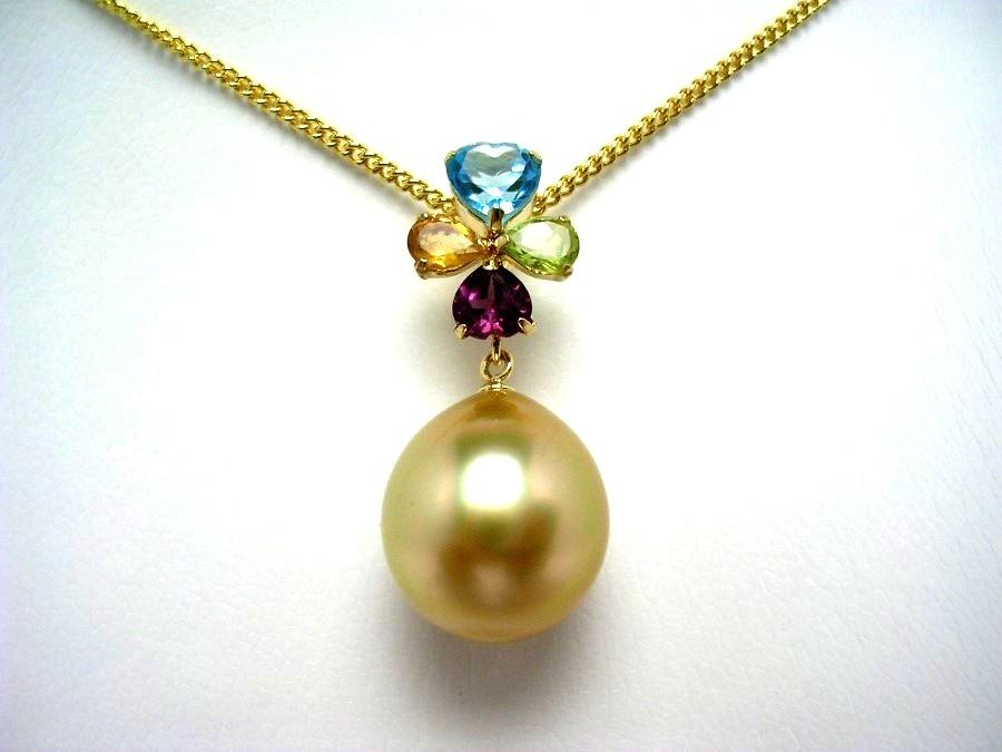 真珠 ペンダントトップ パール 白蝶真珠 11.3mm ゴールド(ナチュラル) K18 イエローゴールド 天然石 植物 クローバー 52903 イソワパール
