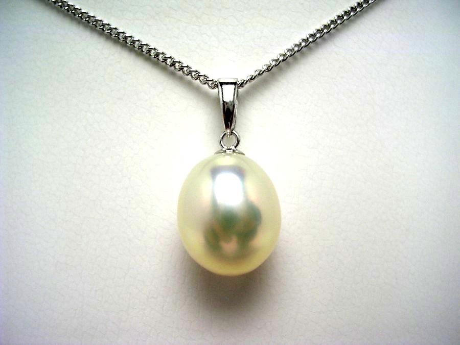 真珠 ペンダントトップ パール 淡水真珠 10.5×11.28mm メタリックホワイトピンク K18 ホワイトゴールド 56754 イソワパール