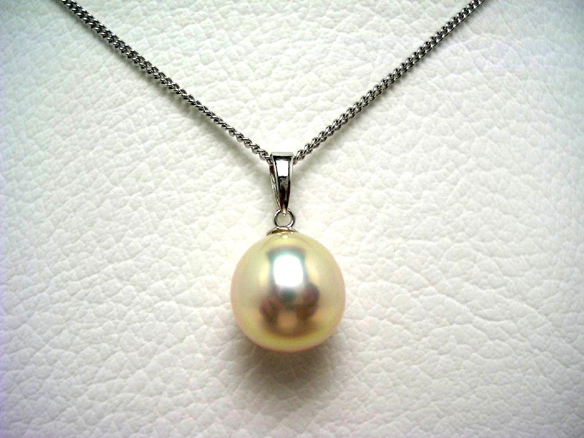 真珠 ペンダントトップ パール 淡水真珠 10.39×10.68mm メタリックホワイトピンク K18 ホワイトゴールド 65102 イソワパール