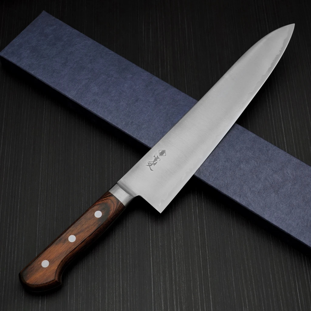 驚愕の長切れHAP40と本刃付けが鋭い切れ味を提供します 包丁 牛刀 270mm HAP40 寛丈 お得クーポン発行中 プロ仕様 粉末ハイス [宅送] 日本製 関市 本刃付け 口金付き