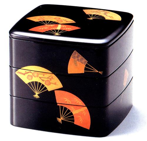 重箱 3段 6.5寸 扇面松竹梅 黒内朱|お正月・おせちに木製漆塗り三段のお重箱(お弁当箱) 漆器