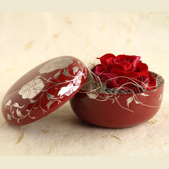 プリザーブドフラワー 花スイーツ 朱漆塗りとお花のセット 和風とバラのプリザのコラボ 母の日や敬老の日、誕生日プレゼント、結婚・出産のお祝い、開店の記念日のギフトに。