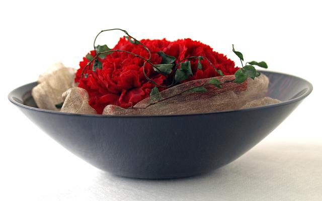 【送料無料】プリザーブドフラワー 花ボウル漆塗りとお花のセット 和風とカーネーションのプリザのコラボ 母の日や敬老の日、誕生日プレゼント、結婚・出産のお祝い、開店の記念に。