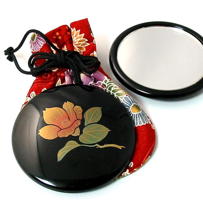 コンパクトミラー プチ手鏡 誕生花 名入れ無料 おしゃれでかわいい蒔絵の高級ミラー 女性の誕生日プレゼント、外国人へのお土産、和のギフトに 漆器