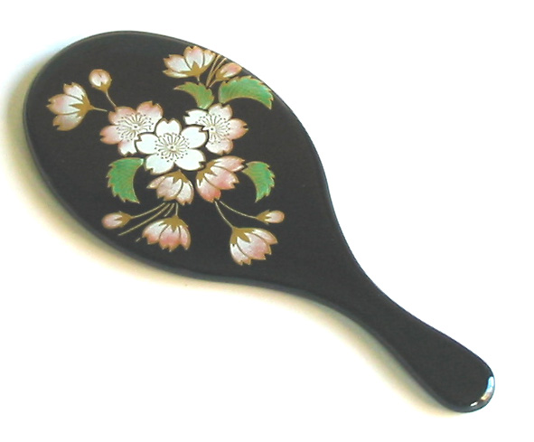 Popular souvenirs return to oval compact mirror [Kyoto lacquer ware Inoue Assistant Professor: lacquer-painted hand mirror and compact mirror woman birthday gift wedding and birth celebrations 内 祝 I ( family) foreign (celebration returns) put accepted gi