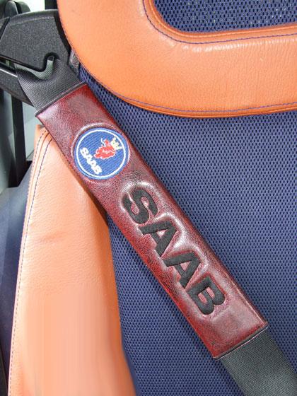 サーブSAABのシートベルトカバーパッドのエンブレム(2枚セット)