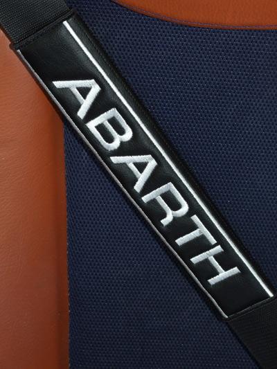 フィアット,アバルトFIAT-ABARTHのシートベルトカバーパッドのエンブレム(2枚セット)