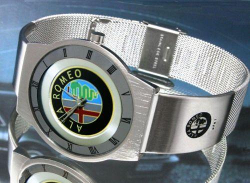 アルファロメオAlfa Romeoの腕時計はイタリアからのお土産です。