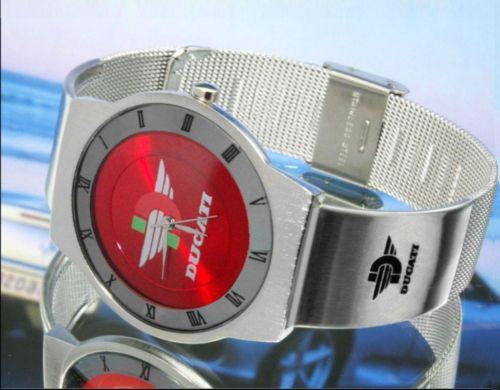ドゥカティDUCATIの腕時計はイタリアから