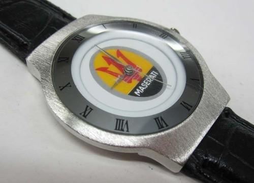 マセラティMaseratiの本革腕時計はイタリアからのお土産です。