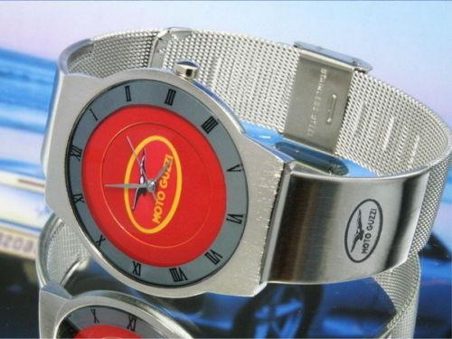 モトグッツィ MOTO GUZZIの腕時計はイタリアから