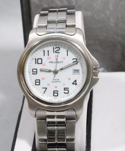 プジョーPeugeotの腕時計はイタリアからのお土産です。