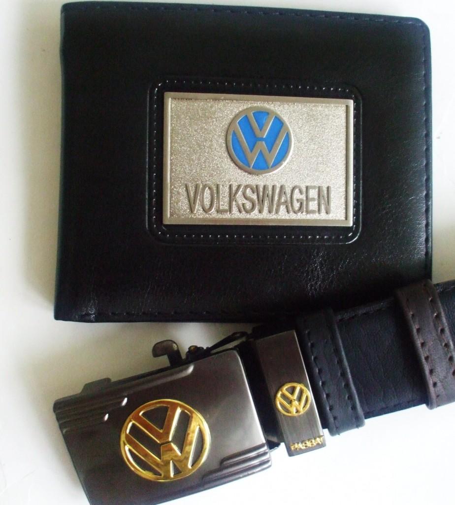 フォルクスワーゲンVWのベルト,バックルとお財布のセットはイタリアのお土産です。