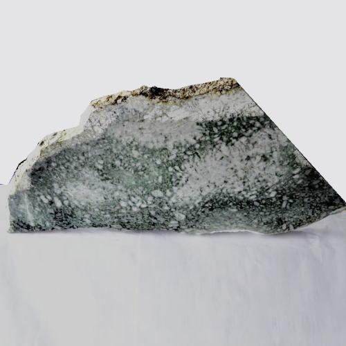 糸魚川翡翠原石 ヒスイ 鉱物 天然石 パワーストーン 国石 ge-364-r 【新商品】