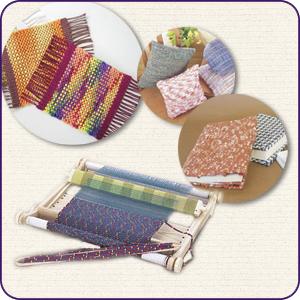 テーブルの上で作業できるハンディサイズ はじめての方も簡単シンプルで 手織りの楽しさ味わえます 手芸 送料無料 手織り機 咲きおり 織物 年間定番 60cm 織機 ハンディサイズ クロバー製 高品質 プレゼント