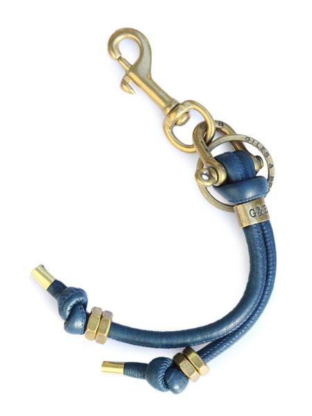 GILES & BROTHER(ジャイルス・アンド・ブラザー)【Round Leather Key Fob (Blue) / ラウンド レザー キー フォブ (ブルー)】[正規品](キーホルダー/キーチェーン/バッグチャーム/アンティークゴールド/プレゼント/ユニセックス/メンズ/レディース)【送料無料】