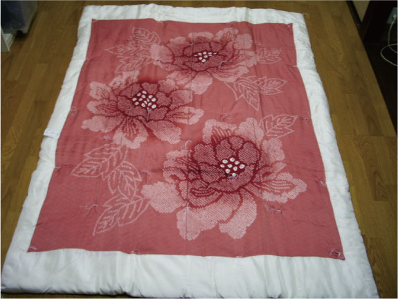 【千鶴の真綿ふとん】 羽二重絞り真綿布団(牡丹)1.0kg