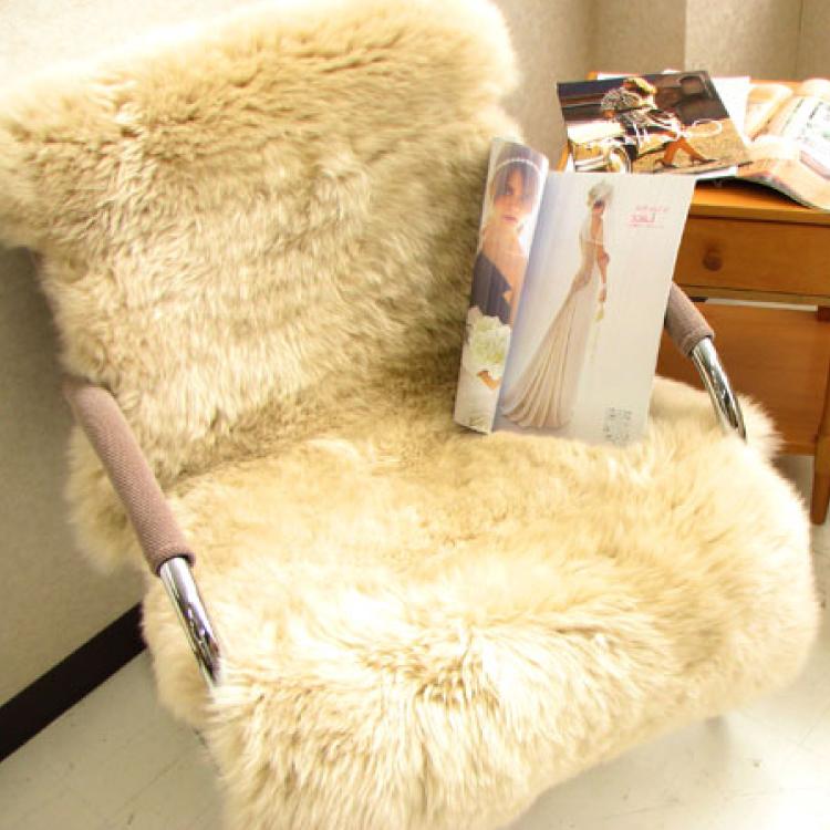 【送料無料】【オーストラリア原皮】【本物の贅沢】ムートンラグ(1.3匹)ムートン敷き(約60×118cm)
