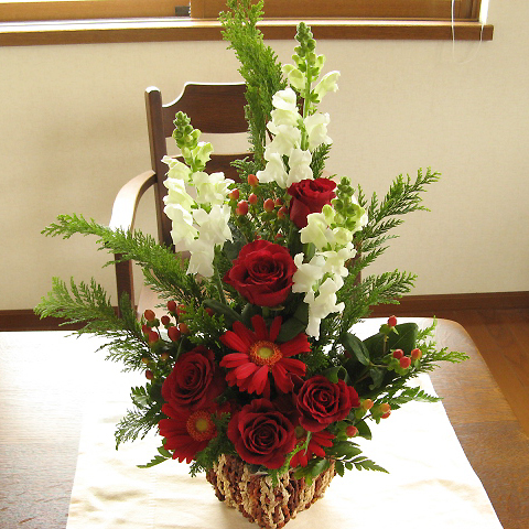 X'masに贈る☆華やかな赤系アレンジメント(花かご)Type-B スクエアバスケットクリスマス フラワー バラ ユリ フラワーギフト クリスマスプレゼント ギフト プレゼント