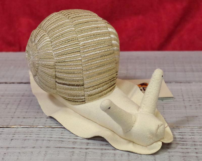 ケーセン(Kosen)社かたつむり(エスカルゴ)19cm ぬいぐるみ