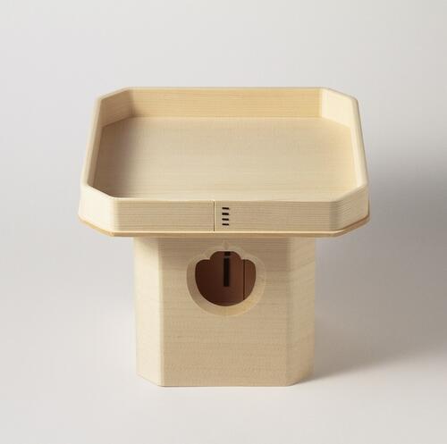 商舗 カナダ産ホワイトスプルス材で作ります 狂いの少ない本柾 糸柾 爆安プライス の板を使用しています 三宝 外材 1尺 神饌を載せる台 祭礼 儀式 三方 祭壇 お供え 台