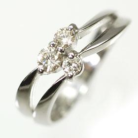 【送料無料】【ダイヤモンドリング】K18WG・ダイヤモンド0.30ct スリーストーンリング(指輪)【smtb-m】