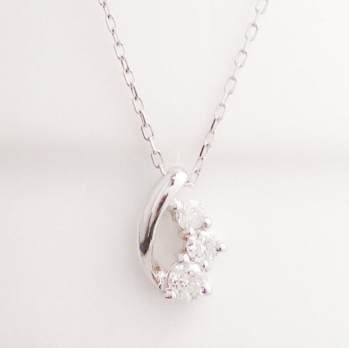 プラチナ Pt900 ダイヤモンド ネックレス 0.10ct