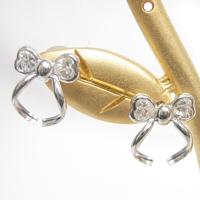 【ホワイトゴールド キュービック ピアス K14WG】 リボン&ハートピアス リボンでハート型したキュービックがとても可愛らしさを演出!! 【メール便 メール便速達 OK】