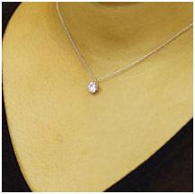 하트 앤 큐 목걸이 CZ 다이아몬드 (큐빅 산화 지르코늄)가 더 빛나는 리뷰 전용 범위 선물 ♪ 하트 앤 큐 피드 보장 카드 장착 된이 가격에 최고의 광택을 ♪ 가슴 팍을 아름 답 고 화려하 게 물들이는
