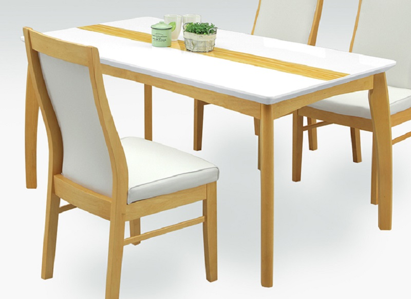 ダイニングテーブル・135オーロラ(こちらはテーブルのみです)(2色対応)【ブラウン】【ナチュラル】