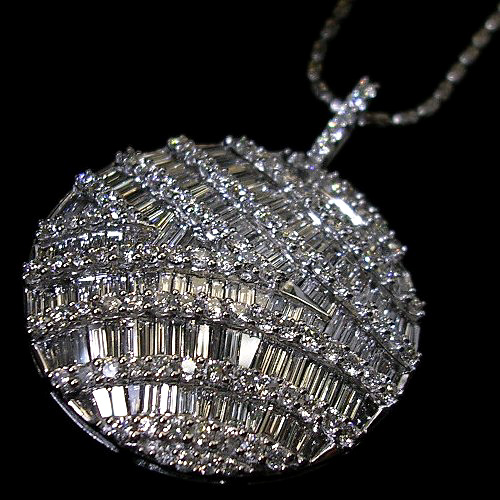 【上質ジュエリー】ホワイトゴールド(K18WG) テーパーダイヤモンド ネックレス(角ダイヤ/TOTAL3.00CT)【ハイクラス】【宝石 ジュエリー】【プレゼント】【刻印無料】*