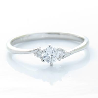 ダイヤモンドリング プラチナ900 PT900 0.21ct 指輪 ダイヤモンド 3石 レディース