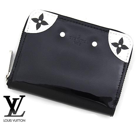 艶やかなパテントカーフレザーにモノトーンのモノグラム・キャンバスがお洒落。コンパクトでスリムなフォルムにカードポケットを備えた機能的な財布です。 LOUIS VUITTON ルイ ヴィトン M67665 ヴェルニ モノグラム ジッピー・コインパース コインケース 小銭入れ 【送料無料】