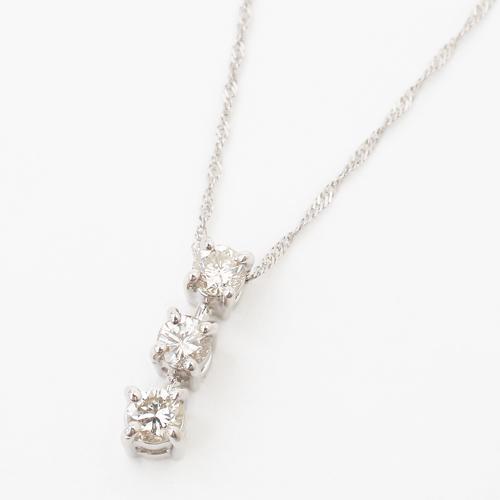 プラチナ(Pt900) ダイヤモンド ペンダント スリーストーン(過去・現在・未来)合計0.27カラットの存在感!【smtb-k】